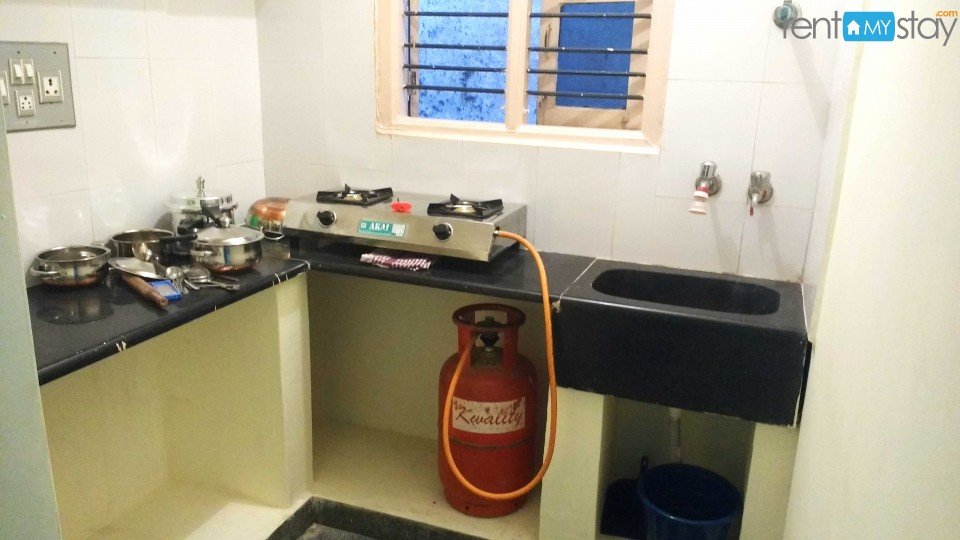 Furnished 1BHK nr Koramangala 1st Block in HSR Layout/image3