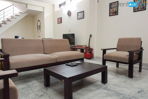 Furnished Villa in Sector 52 for boys on Sharing
