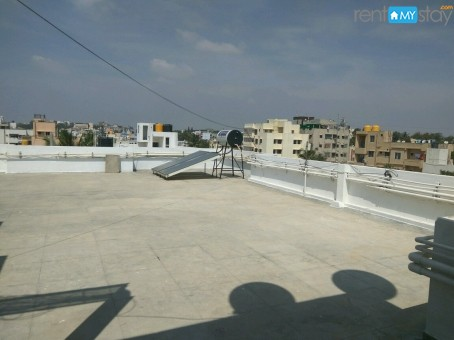 Fully Furnished 1 BHK Manipal Hospital in Old Airport Road/image2