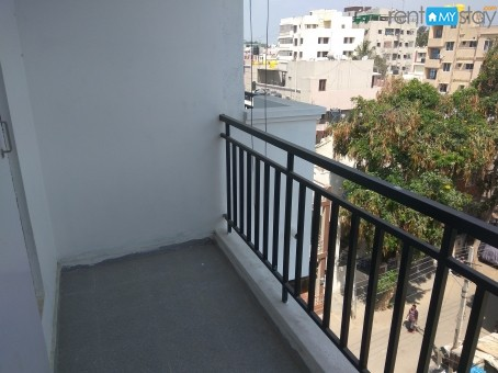 Fully Furnished 1 BHK Manipal Hospital in Old Airport Road/image4