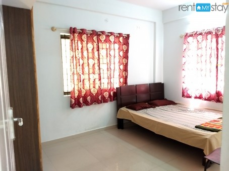 Fully Furnished 1BHK near Kemp Fort Mall in Old Airport Road/image1