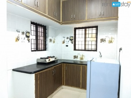 Fully Furnished 1BHK near Kemp Fort Mall in Old Airport Road/image5