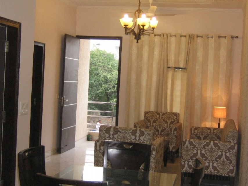 2 BHK Service Apartment Near Fortis Hospital