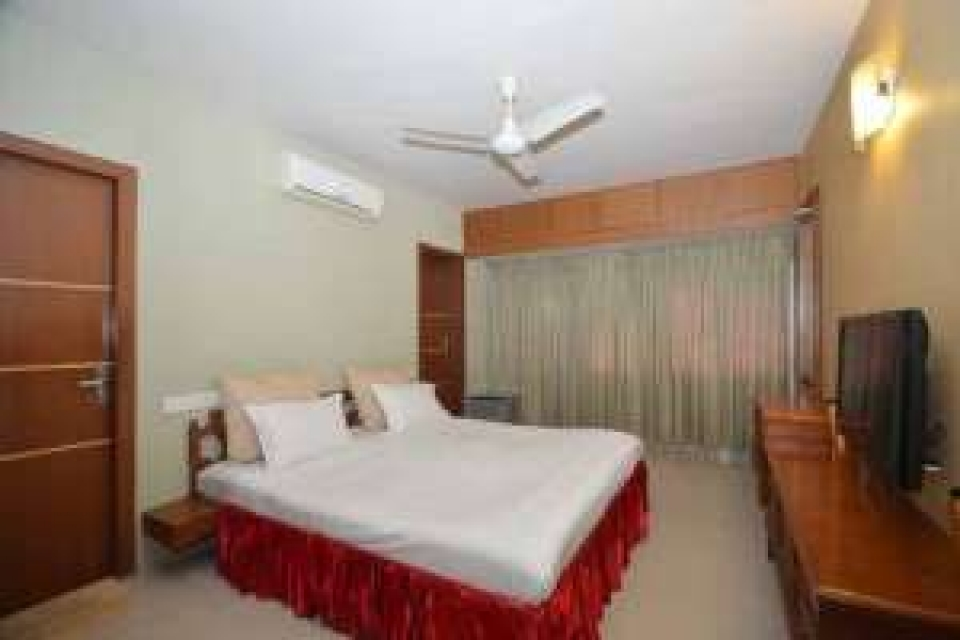 A Deluxe room near Harrington Road