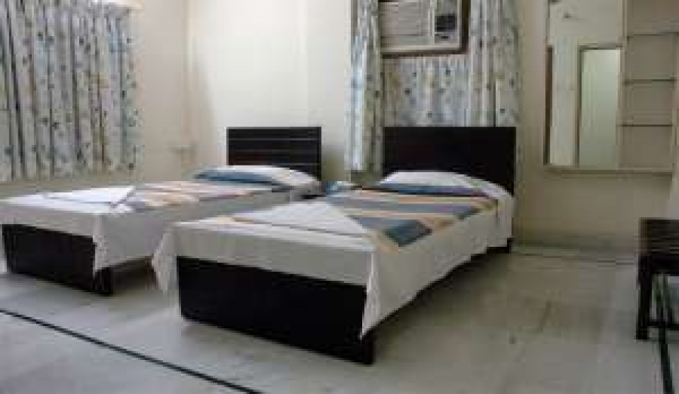 Fully furnished 3 BHK apartment