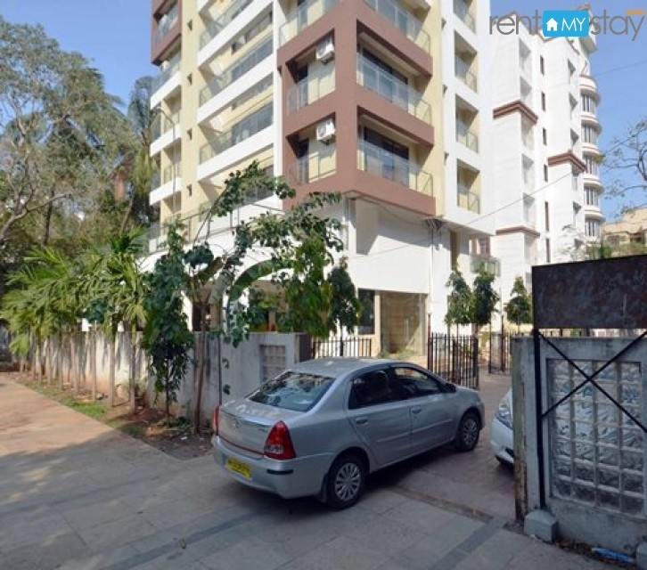Airy apartment near Andheri West