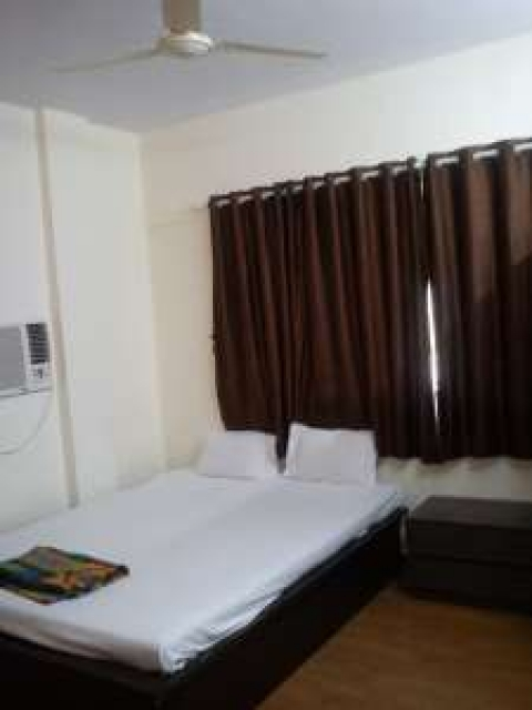 Room in the heart of goregaon east