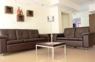 Cozy 3 BHK Apartment near Banjara Hills
