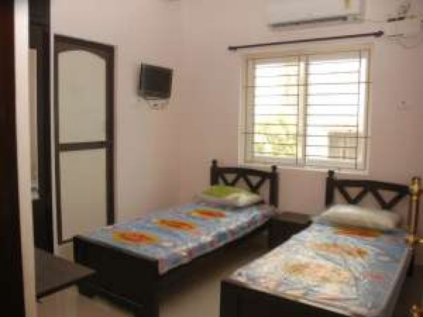 Sweet apartment near Koyambedu Bustand