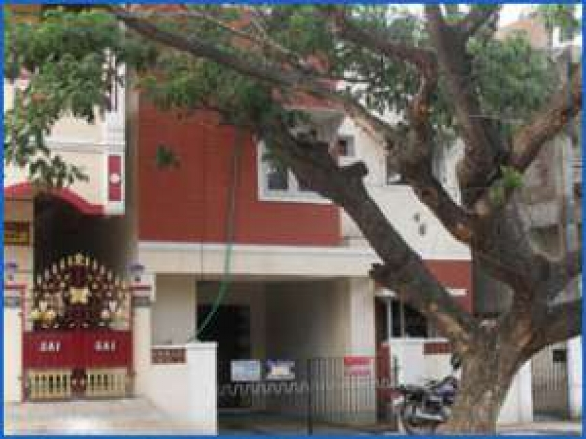 Fully Furnished 3 BHK Guest House